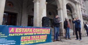 Protesta onte, diante do Concello, da Plataforma na Defensa dos Servizos Públicos.
